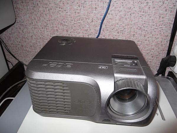 Продам Видеопроектор ASER XD1270D