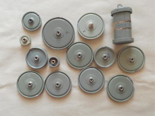 Продам Конденсаторы К15у-1, К15у-2, КВИ-3
