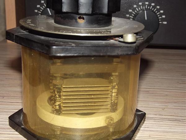 Продам WAVEMETER Type 758A