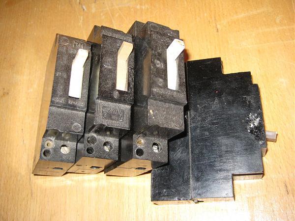 Продам Автоматические выключатели серия АЕ 1031 25А