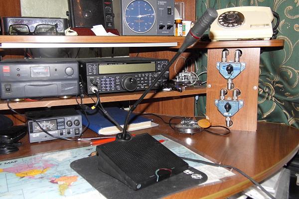 Продам Микрофонный пульт DM6010Р.
