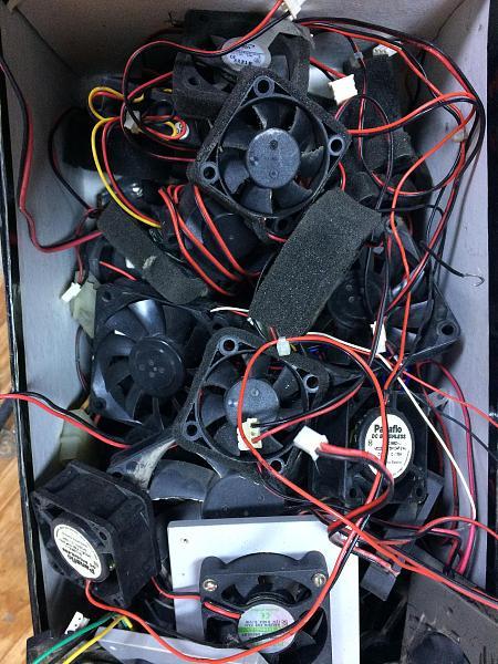 Продам Вентиляторы (кулеры ) разных типов .