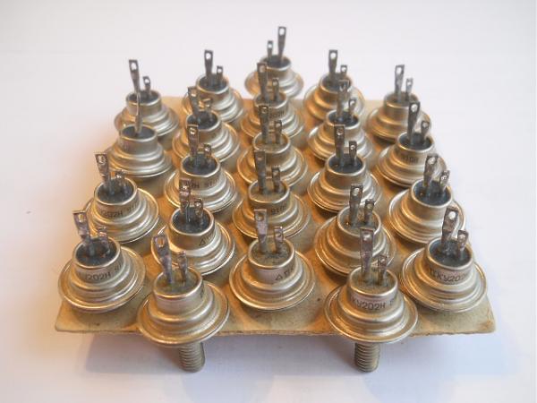 Продам Тиристоры КУ202Н, КУ202М новые, 45 штук, из СССР