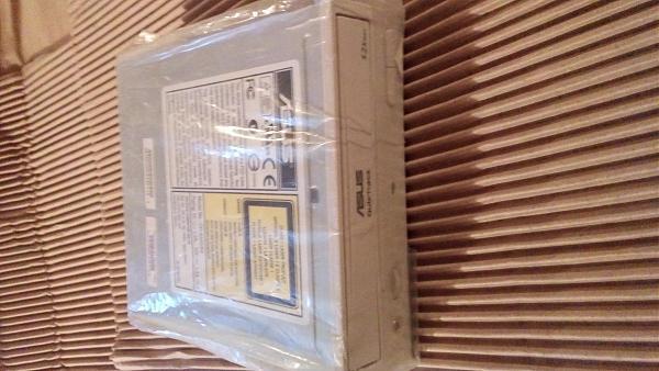 Продам Дисковод ASUS новый в упаковке