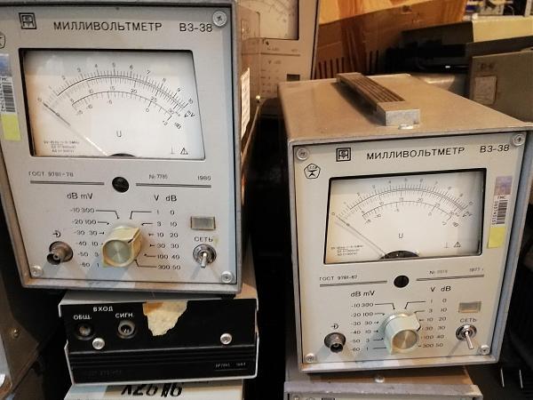 Продам В3-38 вольтметр переменного тока