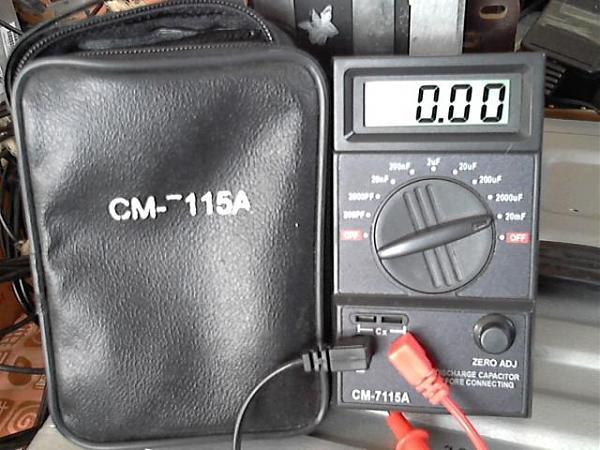 Продам прибор для замера емкостей конденсаторов