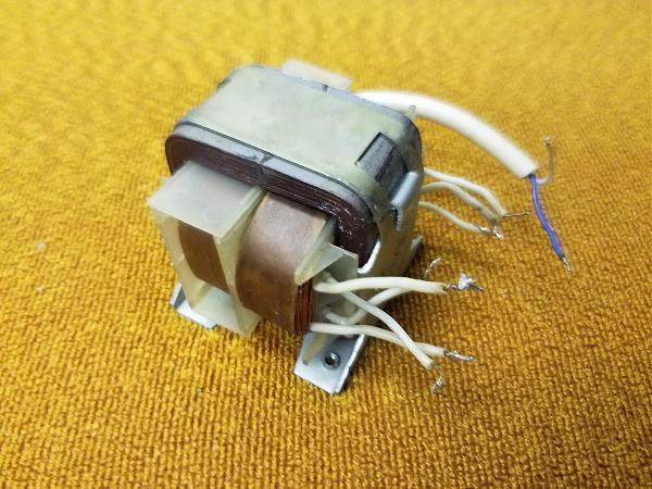 Продам Трансформатор для магнитофона Яуза