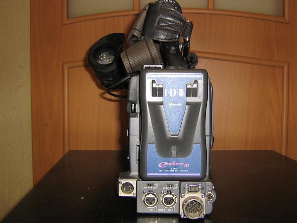 Продам Имеется видеокамера SONY DSR-390P