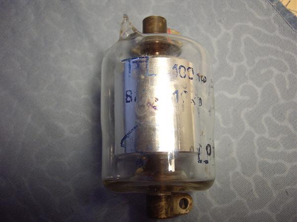 Продам Вакуумный конденсатор ВМ 100пф 10кв