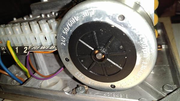 Продам 'электропривод клапана Honeywell универс.24в