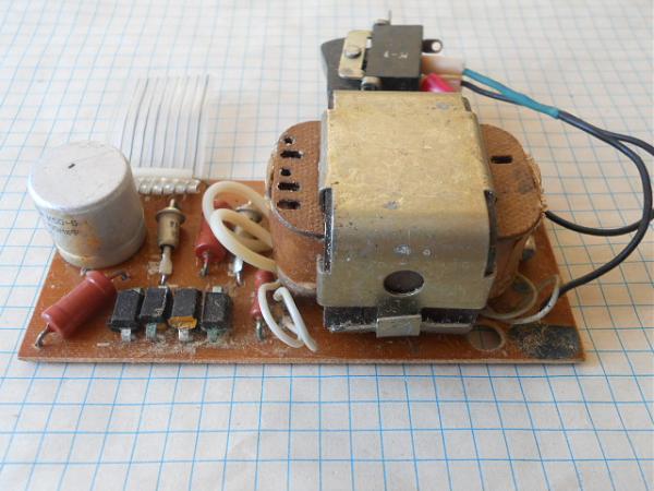 Продам Трансформаторы 220в от 5Вт до 1кВт от 50р