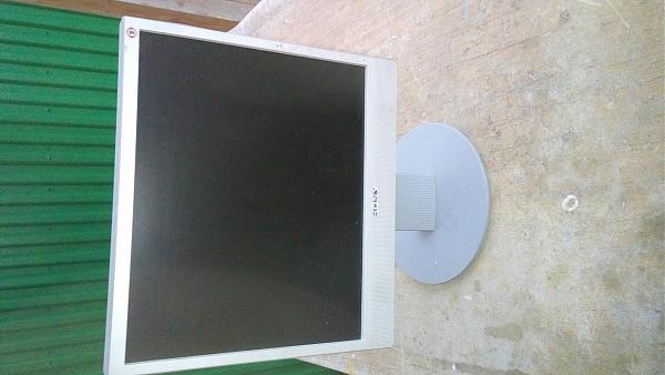 Продам Мониторы Sony для компьютеров 15 дюймов новые