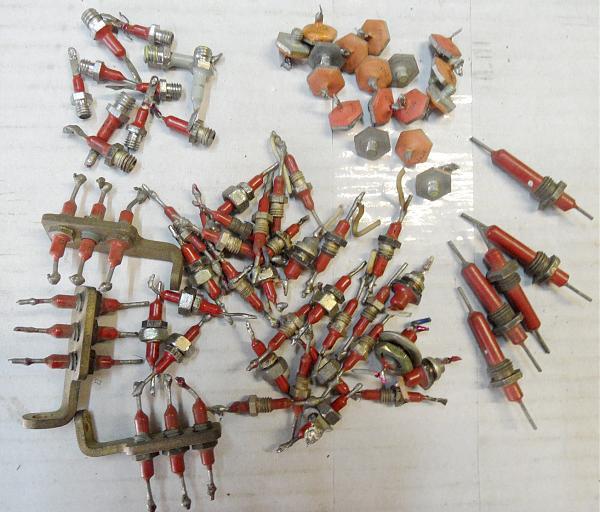 Продам Проходные и опорные конденсаторы