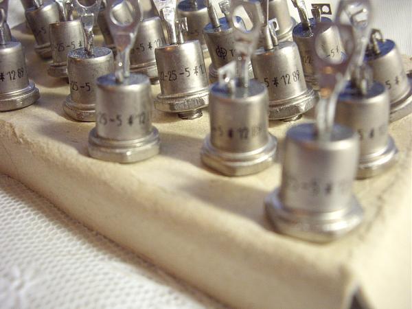 Продам Тиристор штыревого исполнения. Т122-25-5