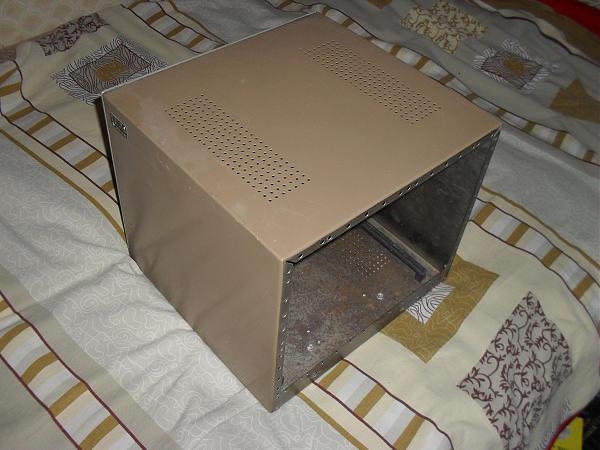 Продам Корпус для усилителя (28х32х31 см)