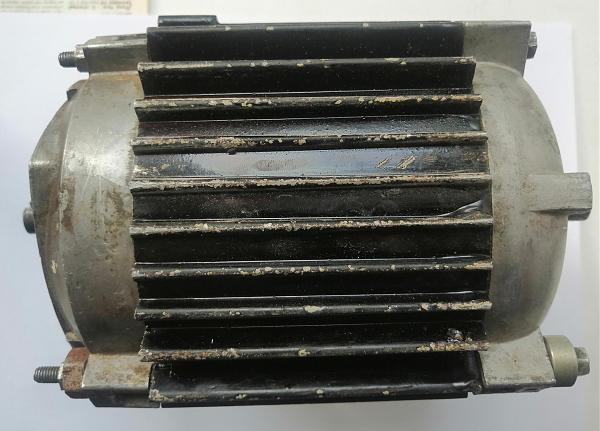 Продам Электродвигатель 3 фазный маленький