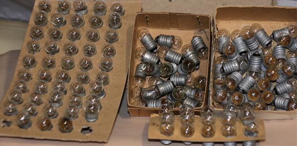 Продам лампочки накаливания