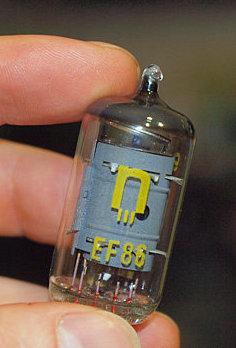 Продам Радиолампа EF-86 производста ГДР