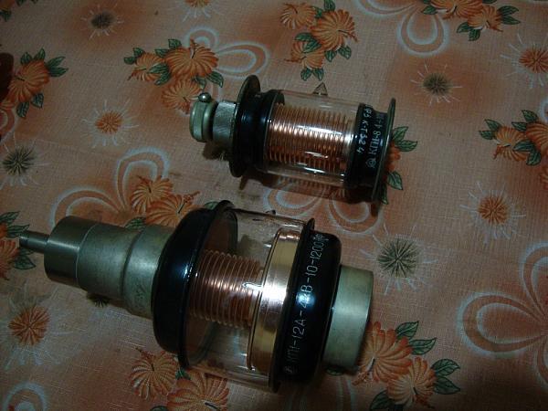 Продам конденсатор вакуумный 4-100пф 10-1200пф