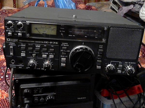 Куплю ICOM R-70.блок FM EX257UNIT