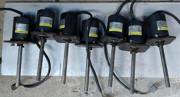 Продам Шаговые двигатели СДВ15/100
