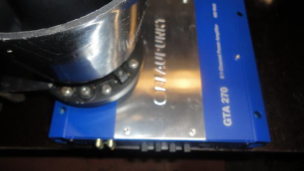 Продам усилители-100 ватт.3шт и 8 колокольчиков-динамиков