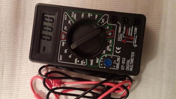 Продам Мультиметр цифровой новый DT832 в упаковке
