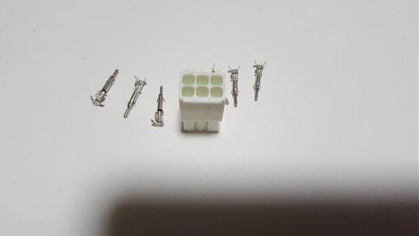 Продам Разъемы 6-pin для повороток Yaesu 800,1000,2800