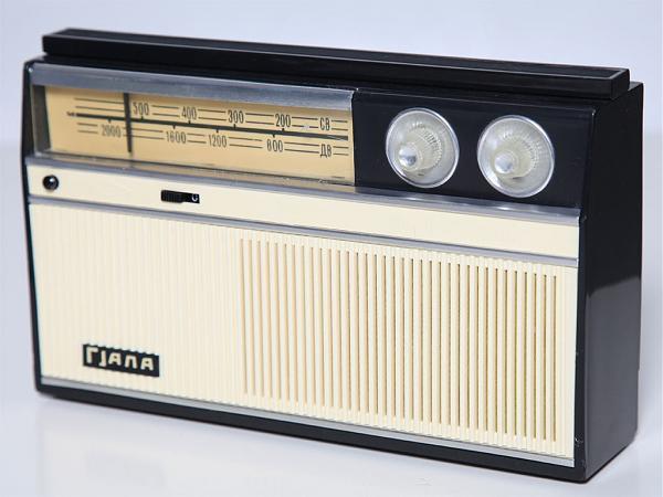 Куплю Портативный транзисторный радиоприёмник 4 класса