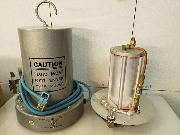 Продам Осушитель воздуха вакуумного компрессора