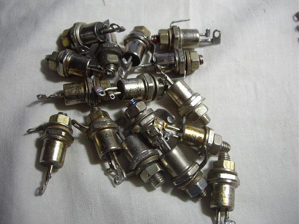 Продам Тиристор симметричный ТС122-25-8