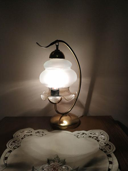 Продам Настольная лампа