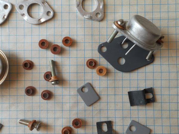Продам изолирующие шайбы,втулки транзисторы-диоды