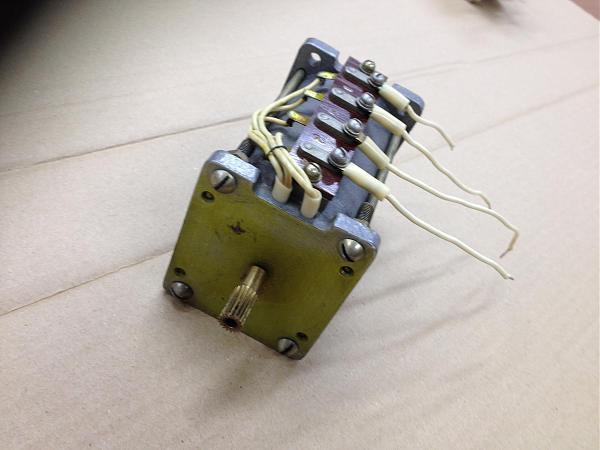 Продам электродвигатель 2АСМ-100 1280ОБ/МИН 110В 0.180А
