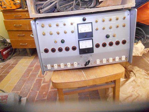 Продам Зарядное устройство для шахтёрских аккумуляторов