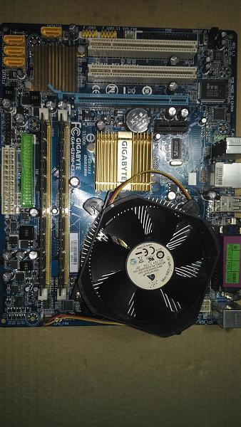 Продам 2шт. Gigabyte GA-G31M-ES2C rev 1.1