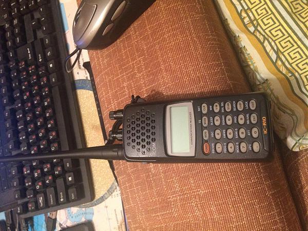 Продам Icom IC-R10