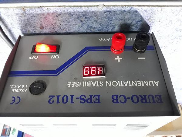 Продам Блок питания 13.8V-10 А