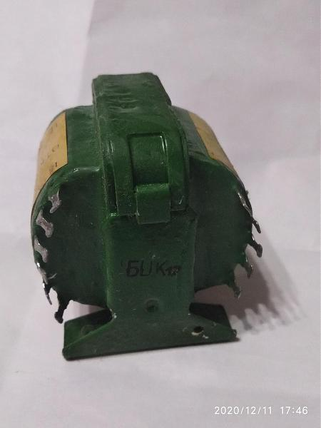Продам трансформатор ТА1-127/220-50