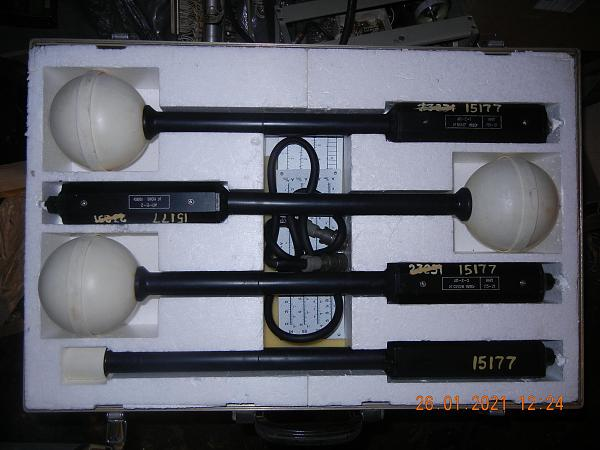 Продам измеритель напряженности поля П3-21