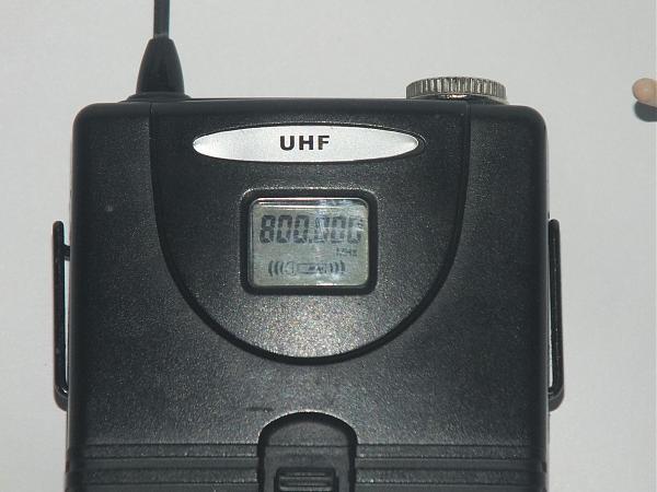 Продам радиомикрофон AF U-960B