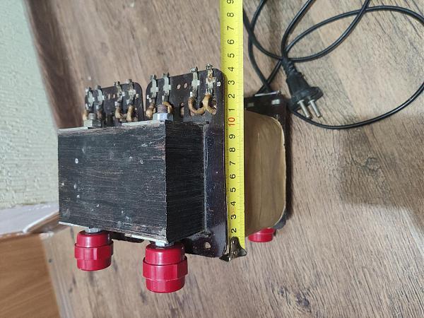 Продам Понижающий трансформатор