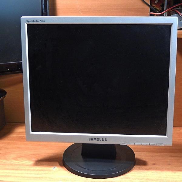 Продам Мониторы 17 дюймов Samsung 720N