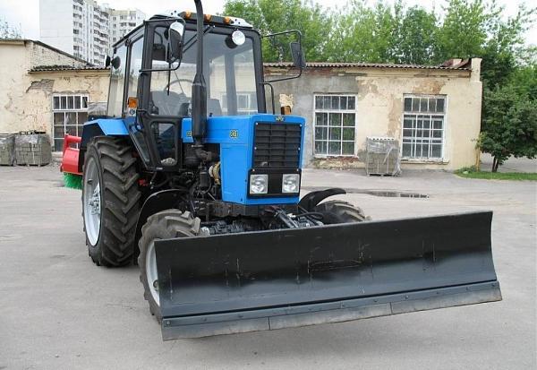 Продам Трактор МК-02 на МТЗ-82 (отвал+ щётка)