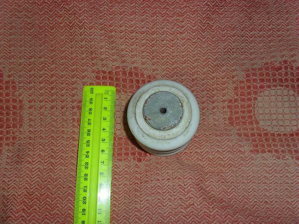 Продам Изоляторы керамические для антенны типа GP