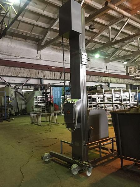 Продам Столбовой подъёмник-опрокидыватель передвижной