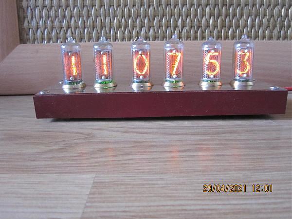 Продам Часы на газоразрядных индикаторах Ин 14