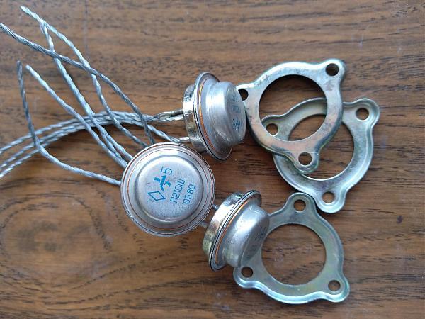Продам Транзисторы П210ш
