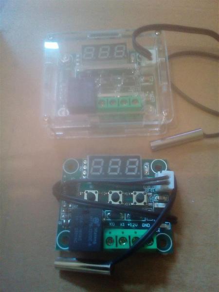 Продам программируемый цифровой термостат