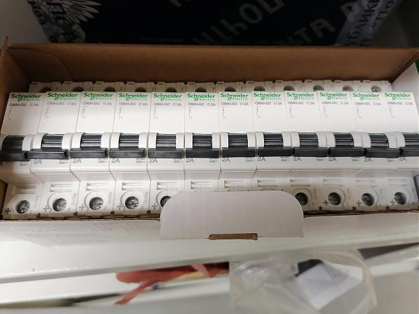 Продам Автоматические выключатели Schneider, ABB